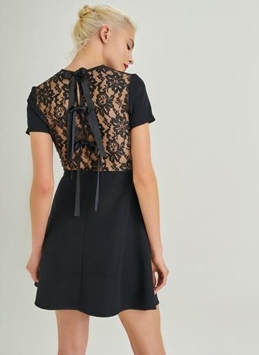 People By Fabrika Sırtı Dantel Elbise Siyah